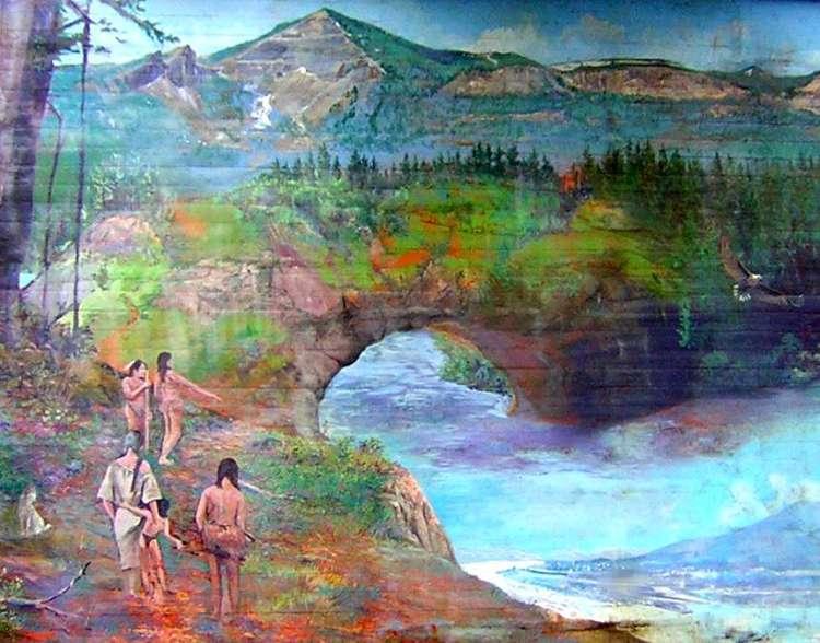 Public art, representation of Bridge of the Gods
