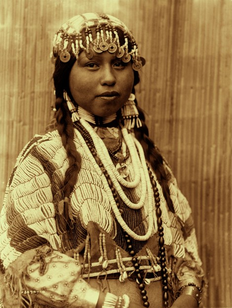 Wishram Bride, E. Curtis 1910