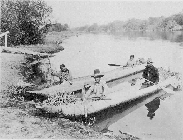 Klamath indians, Wocus gatherers and canoes