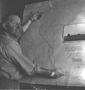 Lee Rohrbough and map of Kalapuya Mound sites 1964